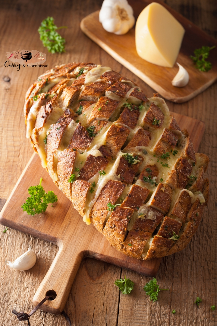 Cheesy Garlic Pesto Pull-Apart Bread